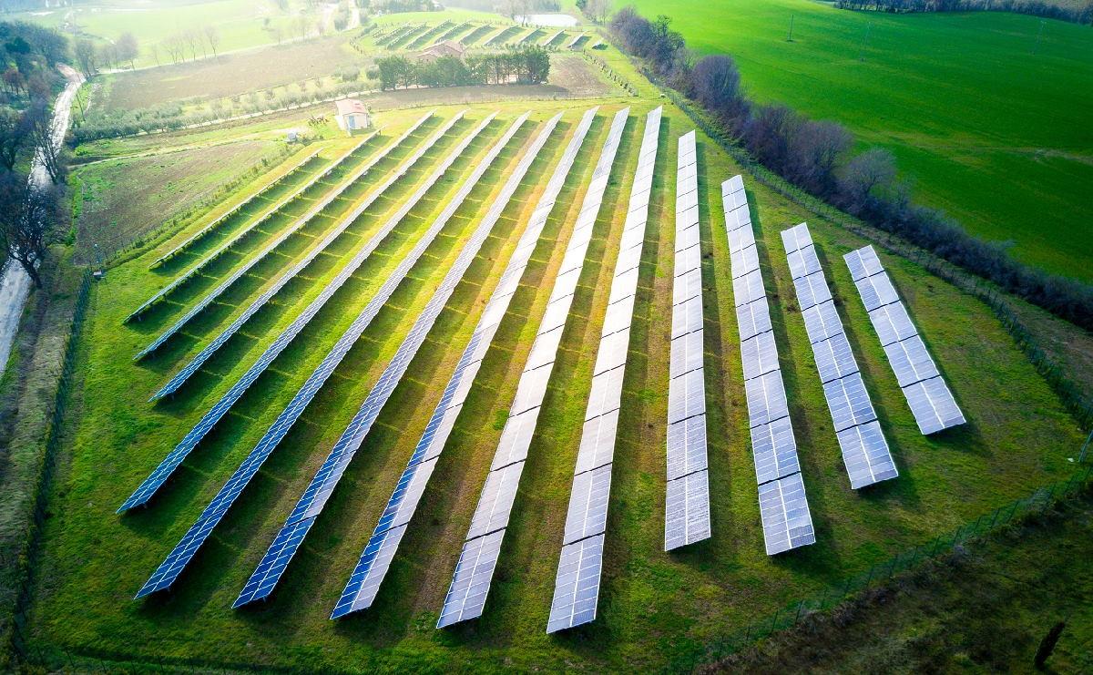 Inwestor poszukuje gruntu – farma fotowoltaiczna